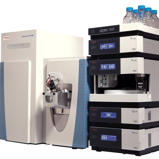 Exactive Plus EMR mass spectrometer with UltiMate RSLC liquid chromatograph viewed from the right